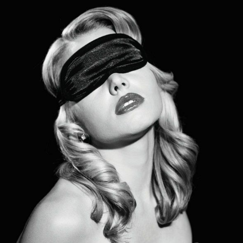 Маска для БДСМ - Маска на глаза Sex And Mischief - Satin Black Blindfold 2
