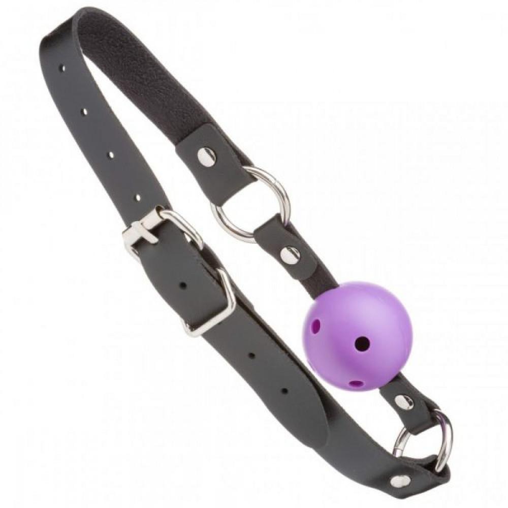 Кляп - F61428 Кляп из экокожи Loveshop Latex BREATHABLE BALL GAG BLACK/PURPLE 1
