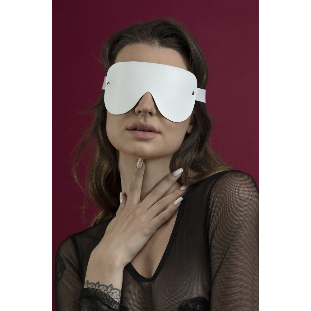 Маска для БДСМ - Маска закрытая Feral Fillings - Blindfold Mask белая