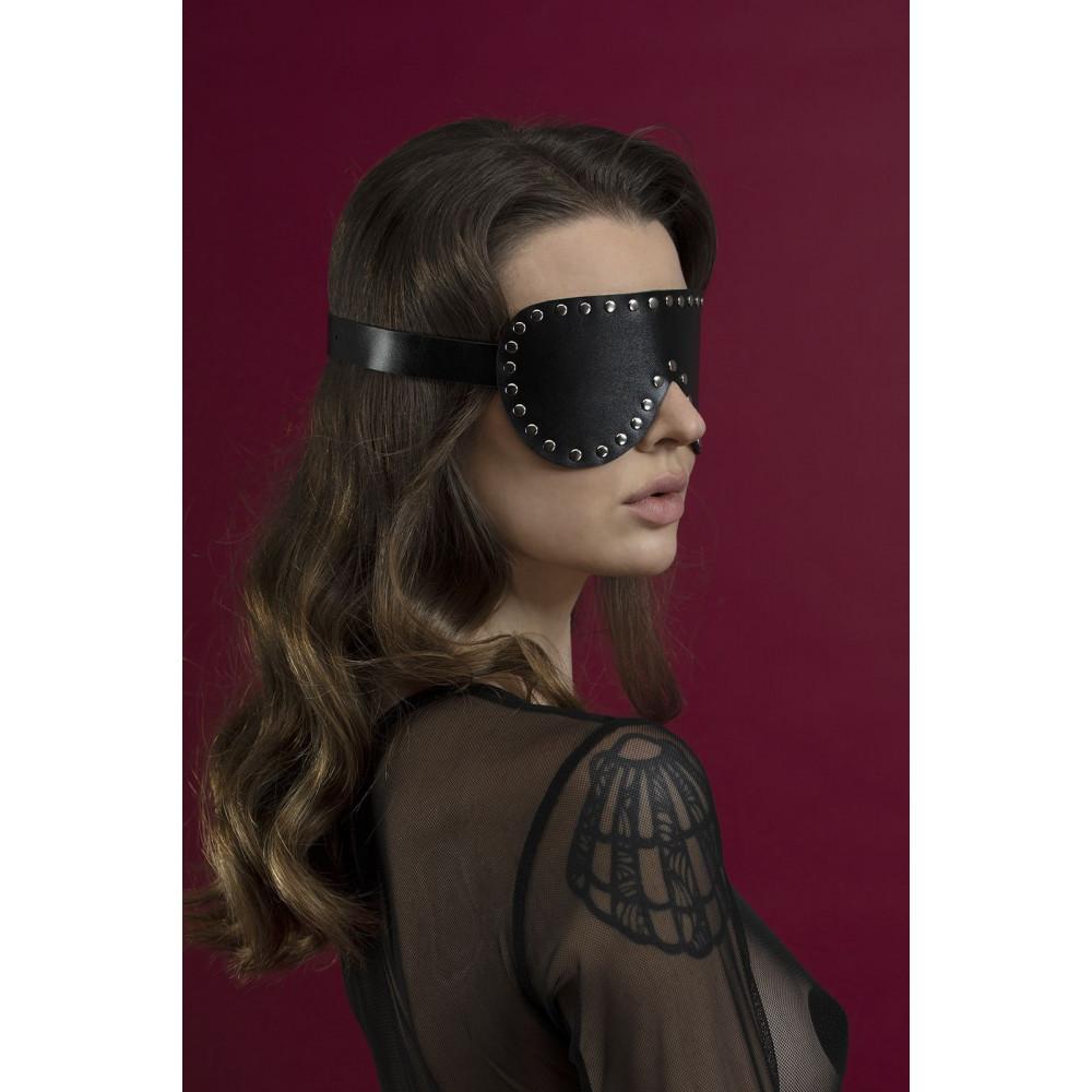Маска для БДСМ - Маска закрытая с заклепками Feral Fillings - Blindfold Mask черная 1