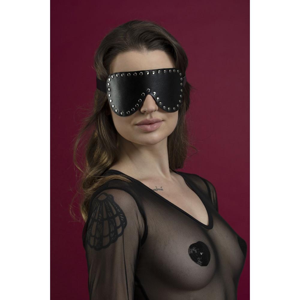 Маска для БДСМ - Маска закрытая с заклепками Feral Fillings - Blindfold Mask черная