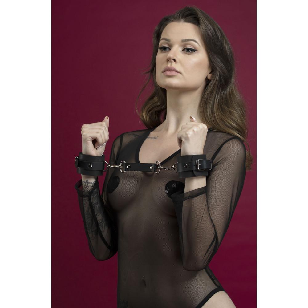 БДСМ наручники - Наручники Feral Fillings - Hand Restraints черные