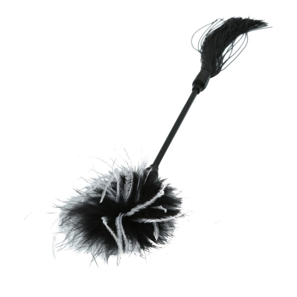 БДСМ плети, шлепалки, метелочки - Метелочка Sex And Mischief - Whip & Tickle Blck/White