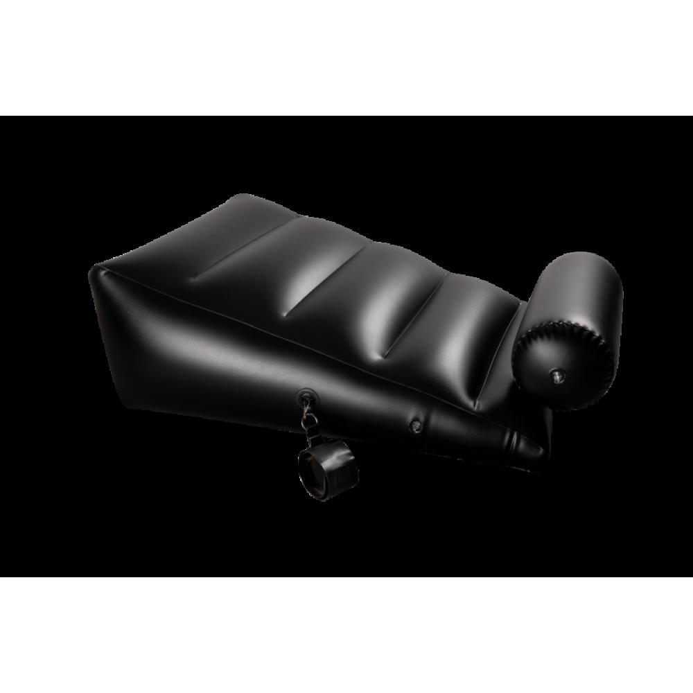БДСМ аксессуары - Подушка для секса с 2 съемными манжетами DARK MAGIC RAMP WEDGE INFLATABLE CUSHION