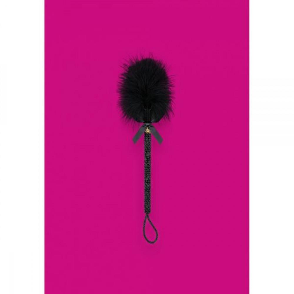 БДСМ плети, шлепалки, метелочки - ПушокнадлиннойручкечерныйObsessiveA720crop 1