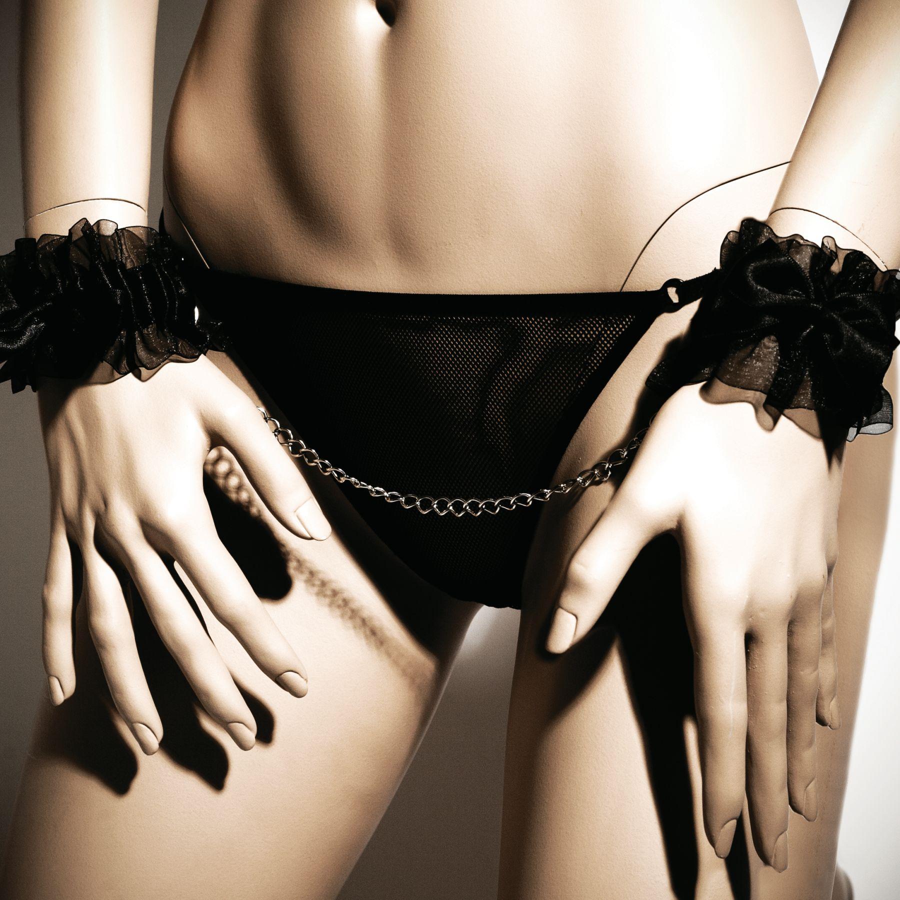 БДСМ наручники - Наручники Bijoux Indiscrets - Frou Frou Organza handcuffs 1